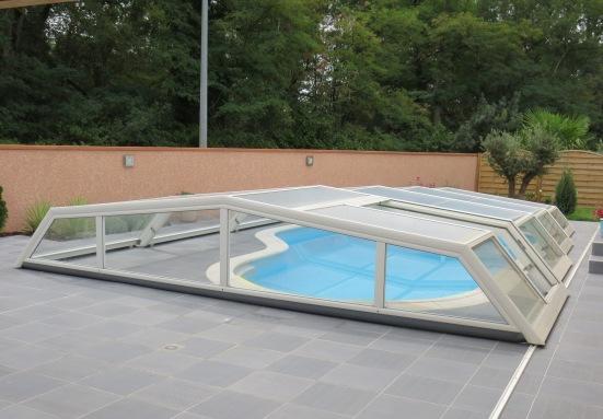 Abri piscine bas petit prix pour piscine de forme libre Waterair