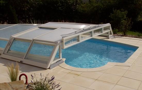 Abri de piscine bas pour piscine Desjoyaux America par Abris VENUS