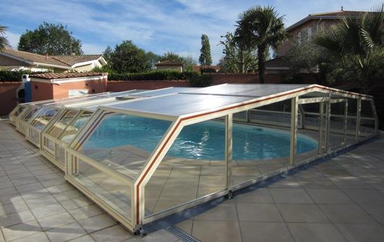 abris piscine bas 5 angles abri piscine et abri spa venus international abris de piscine en. Black Bedroom Furniture Sets. Home Design Ideas