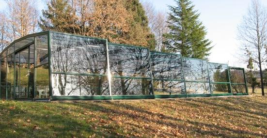 L'abri piscine haut 5 angles olympia s'intègre protège la piscine des feuilles