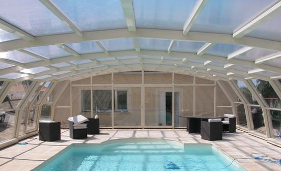 Abri piscine 9A Ondine large Ivoire en vue intérieure