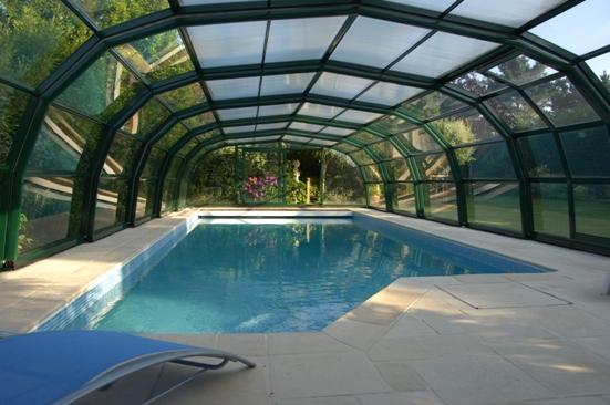 Abri piscine 9A Ondine vert en vue intérieure